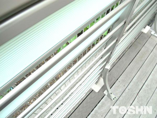 光と風を通す目隠しフェンス設置 鎌倉市 A様邸