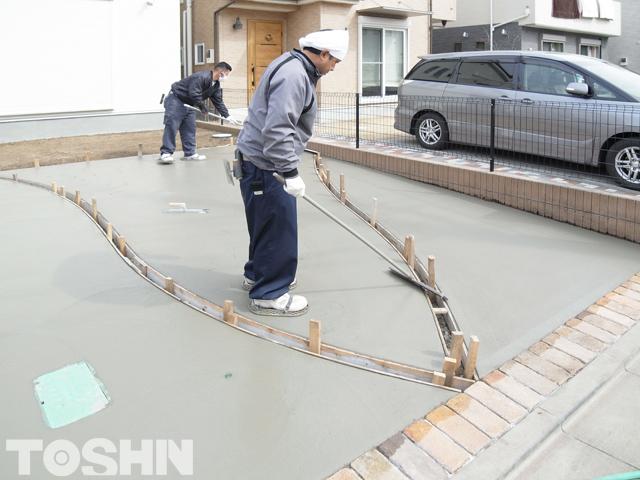 駐車場コンクリート工事 刷毛引き仕上げ 相模原市 N様邸