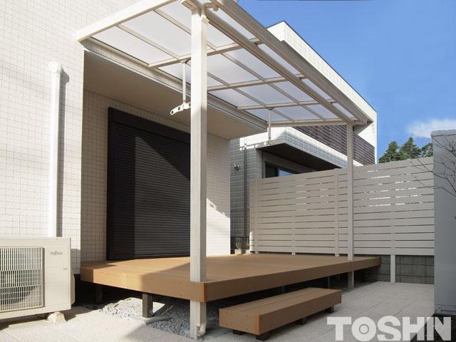 平板敷石とウッドデッキでお庭の雑草対策 相模原市 T様邸