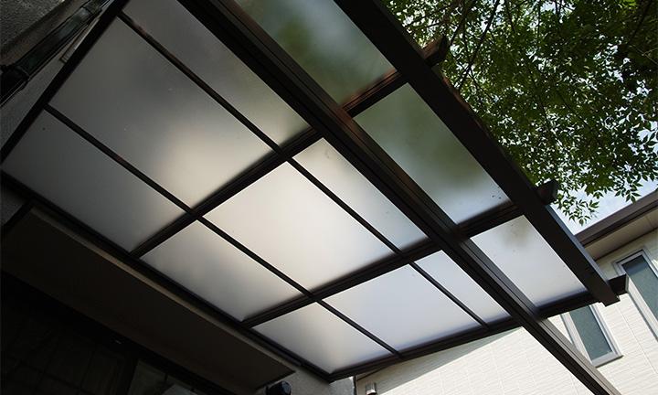 相模原市のテラス工事の屋根素材