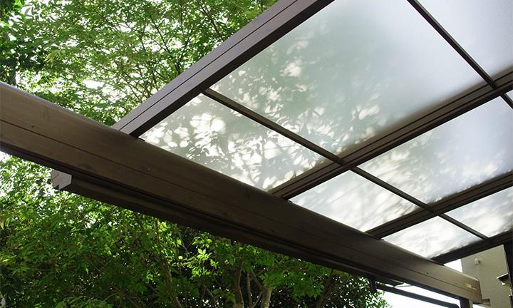 相模原市のテラス屋根の手入れ