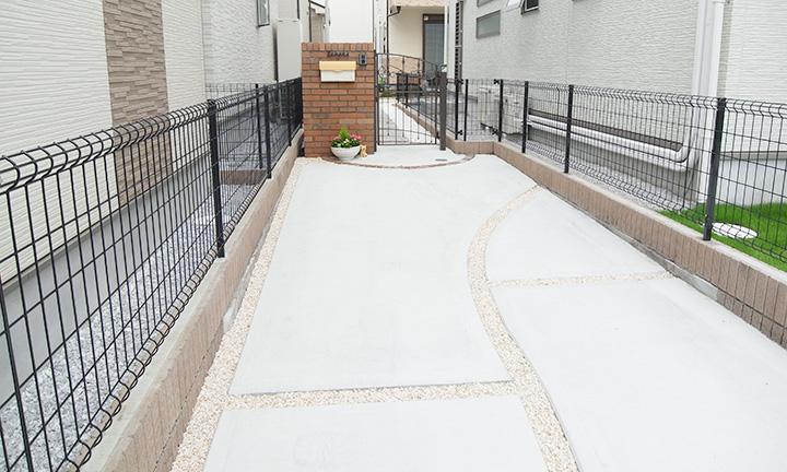 相模原市のコンクリートのアプローチ
