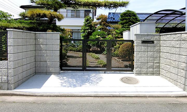 相模原市の門扉・門柱の門まわりデザイン01