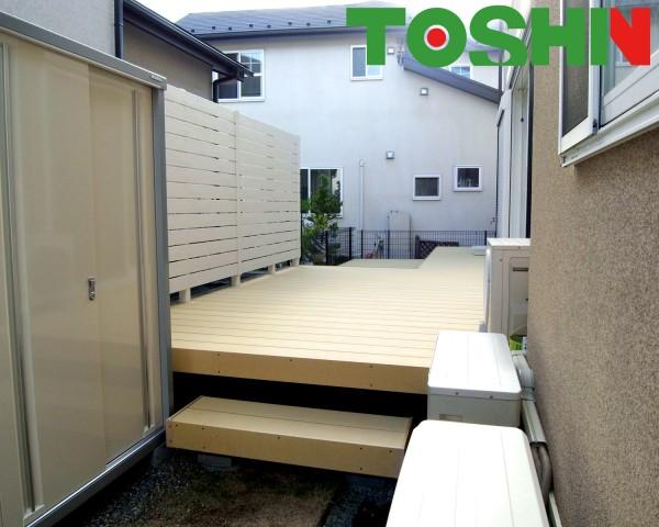 リクシル樹ら楽のウッドデッキでお庭を有効活用 横浜市