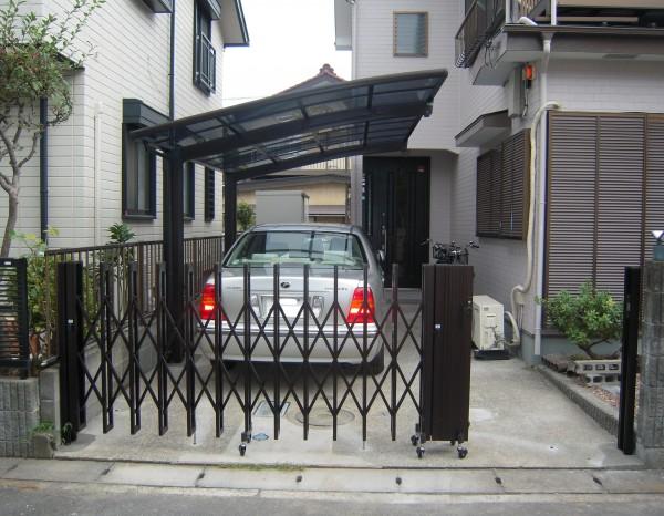 相模原市で伸縮門扉とカーポート設置