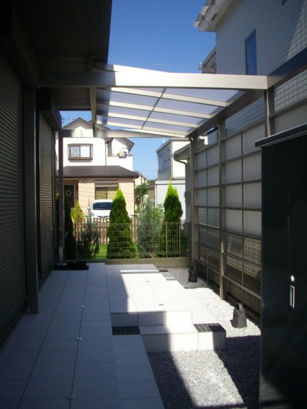 相模原市のタイル貼りテラスの施工