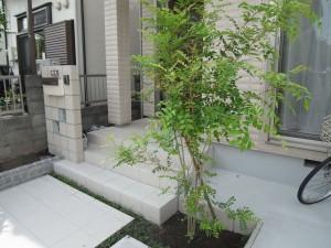 シンプルな化粧ブロックの門柱 相模原市