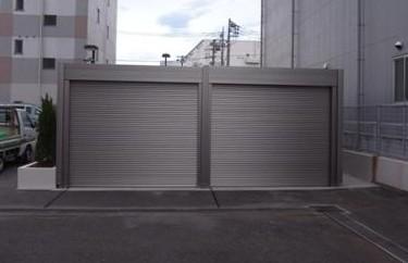厚木市のおしゃれなガレージを設置