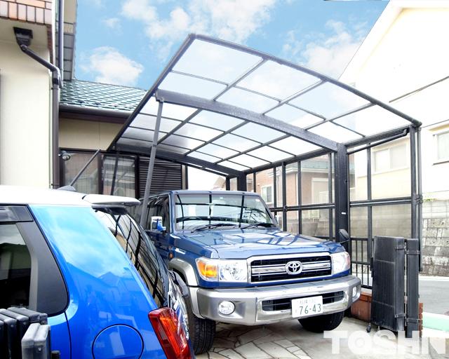 台風で壊れたカーポートの屋根修理 施工前 海老名市 S様邸