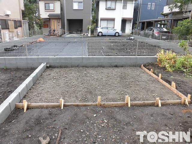 駐車場のコンクリート工事 型枠取り 相模原市 K様邸