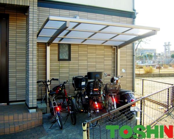 相模原市の使いやすいサイクルポートの設置したカーポート工事