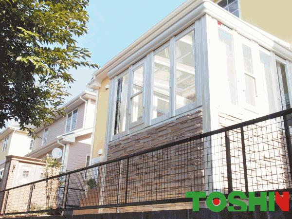 川崎市の暖蘭物語腰壁タイプ設置の外構工事例