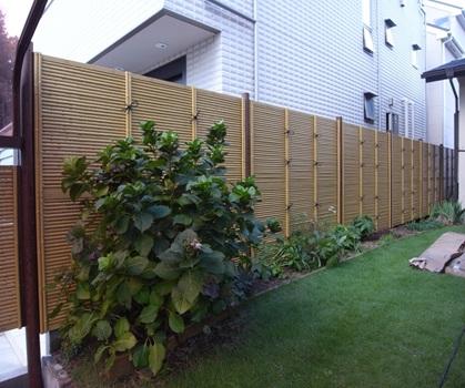 相模原市の人工竹垣を用いたエクステリア工事