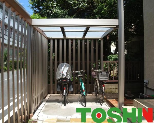 プラスGで奥行き感のあるアプローチとおしゃれな自転車置場 相模原市