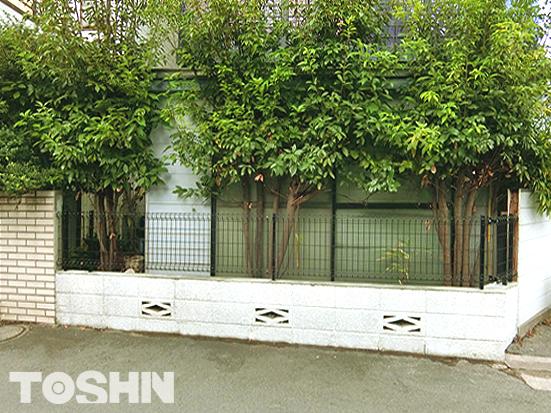 狛江市のフェンス取り付け中心のエクステリア工事