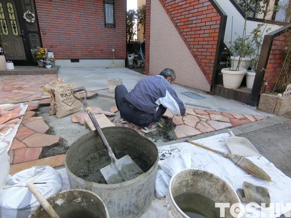 石貼り工事でアプローチを華やかに