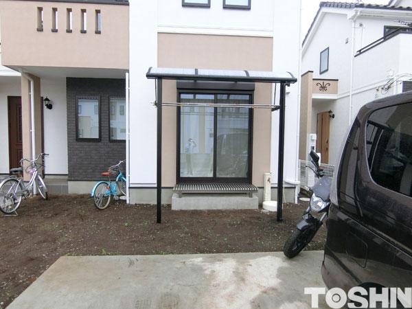 洗濯物を干すためにテラス屋根と濡縁取付